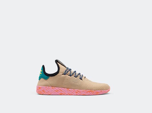 adidas Originals и Фарел Уилямс с нов модел маратонки