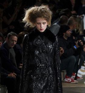 Paris Fashion Week: Alexander McQueen Autumn/Winter 2015-2016