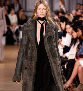 e6eb9528085a Earlier this year Chloé fashion house presented its ready-to-wear collection  for the upcoming cold season in France